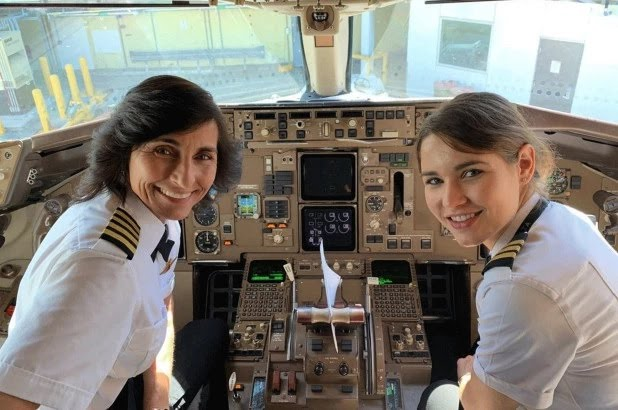 127 133023 cabin aircraft flight usa 2